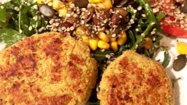 Linda Giese_Veganer Food Blog_fdinkelbratlinge-salat