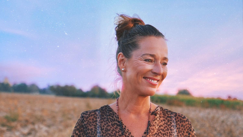 Linda Giese_Expertin für Spiritualität_Astrologische_Zukunftsprognose_fuer_Deutschland in 2021